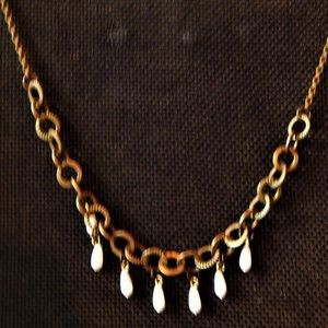 Charming Faux Pearl Drops On Chain Necklace